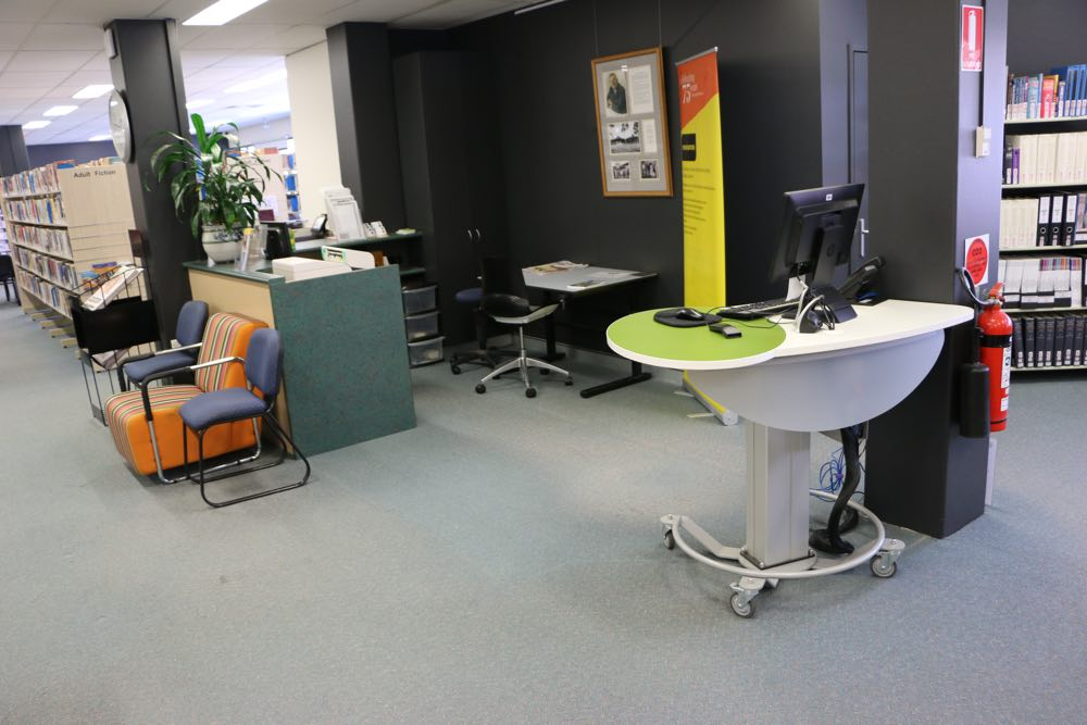 Height adjustable GLO Mini becomes a welcoming help point at Coffs Harbour City Library.
