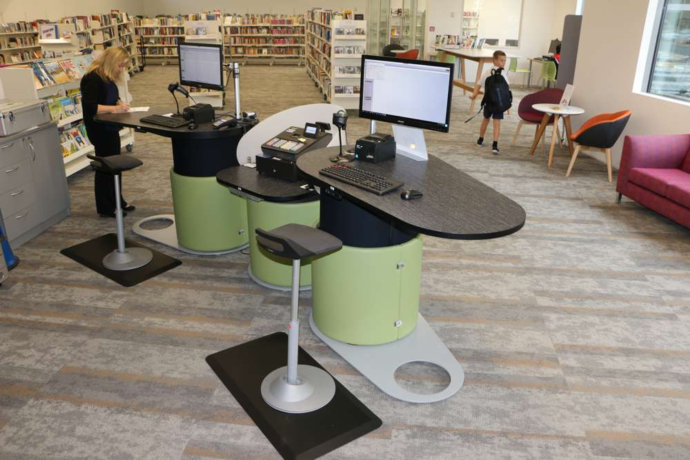 Height adjustable YAKETY YAK 1500 counters form the new circulation area at Paeroa Library.
