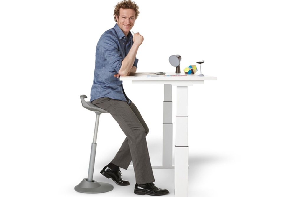 MUVMAN Stool provides responsive support while working your muscle groups.