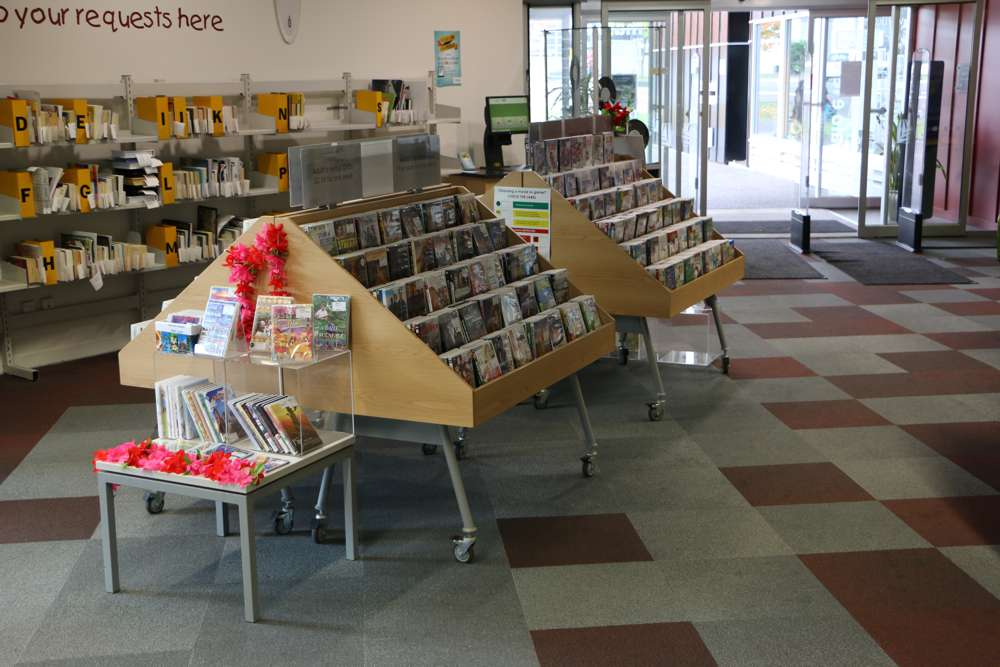 WOW Mobile CD Display, sign option at Glen Eden Library.