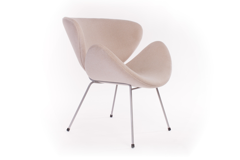 ANNA D Chair — a friendly, roomy, retro-style chair.
