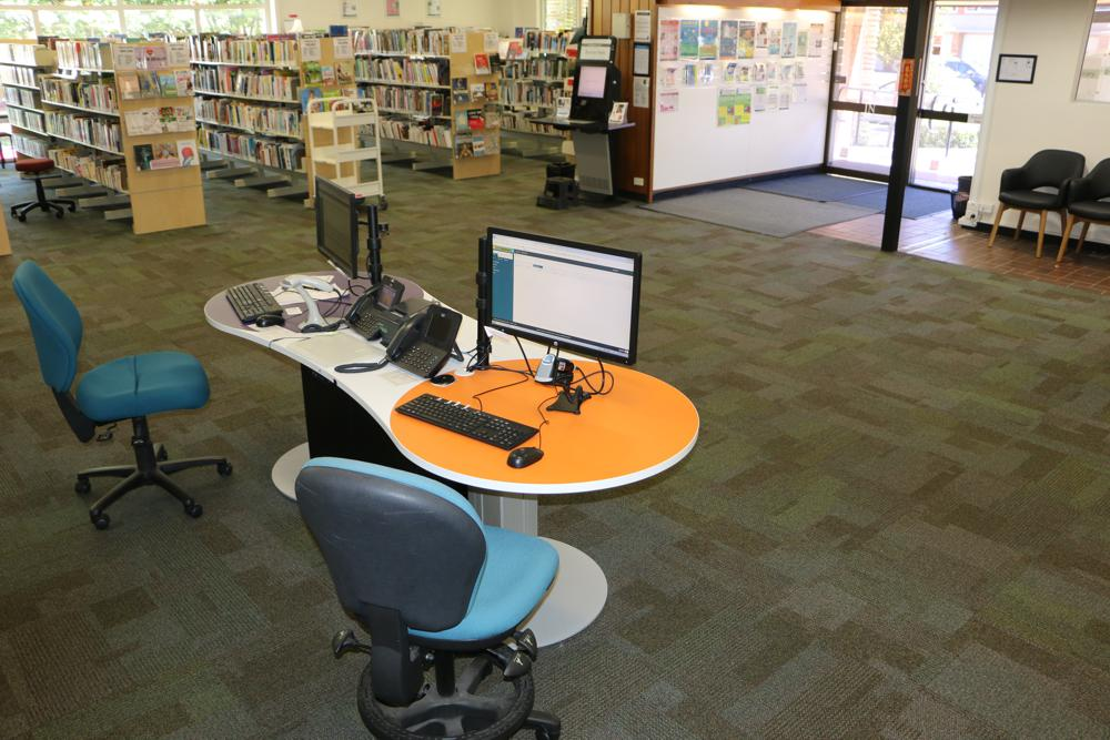 YAKETY YAK 2400 at Turramurra Library.